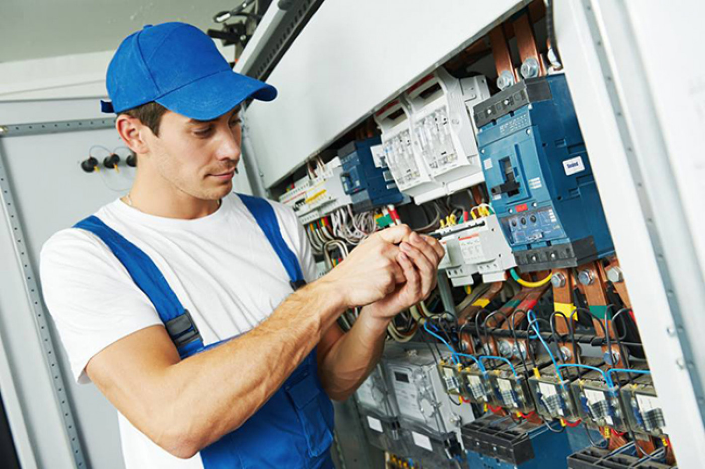 Handling All Of Your Electrical Service Needs In Atlanta