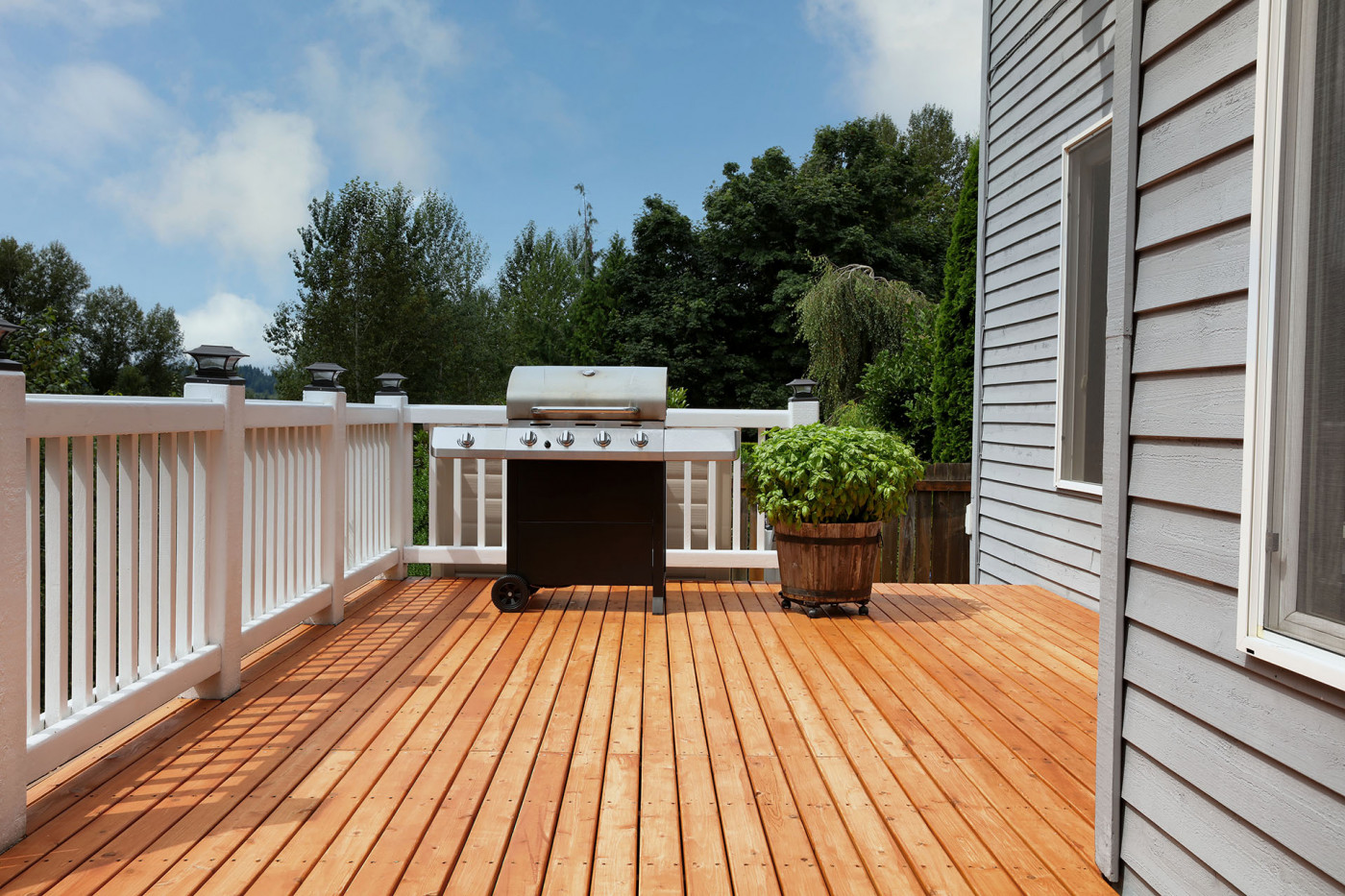 Planning a Deck This Summer? Here's What You Need to Know
