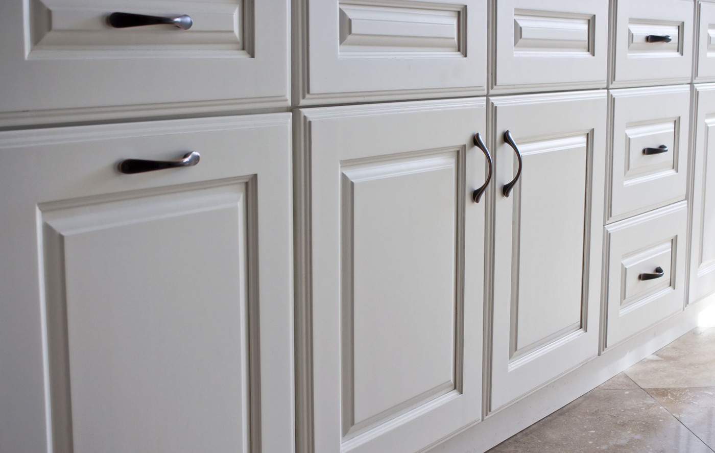 Put a New Face on Your Kitchen With Cabinet Refinishing