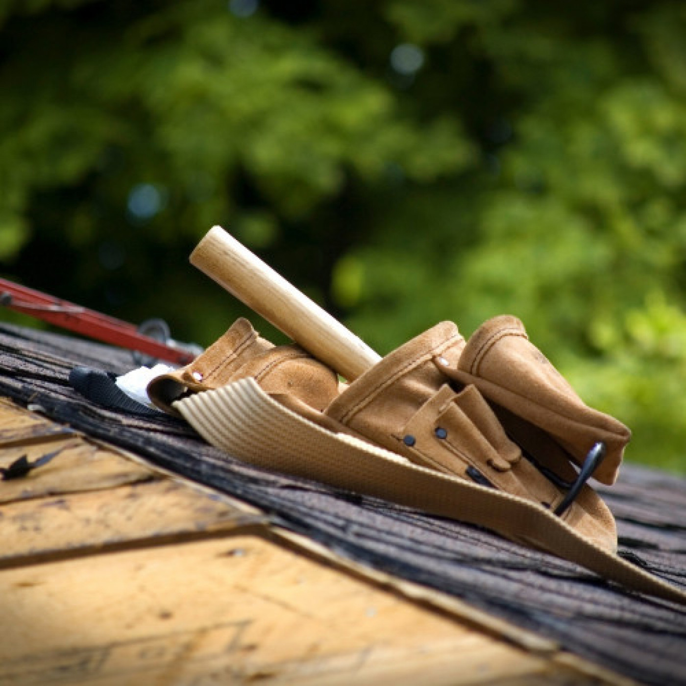 Hiring a Roofer? Do Your Research!